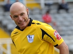 Howard Webb promotes free football coaching scheme for youngsters
