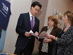 Labour Leader visits crime victims charity