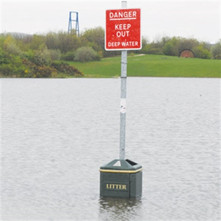 Lake level rises as pumps head off floods