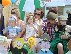 Fun in the sun at Tickhill gala