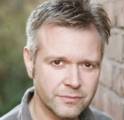 Darren Day to lead panto cast