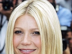 Gwyneth plugs up to keep her sanity