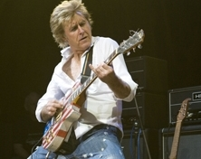 Eighties star John Parr back at village hall