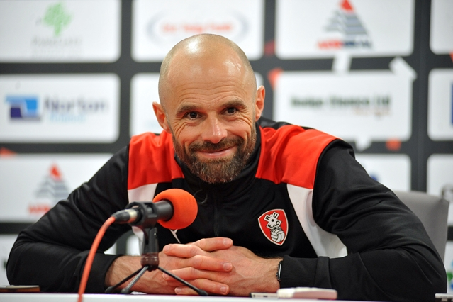 BREAKING: Warne named permanent manager of Rotherham United