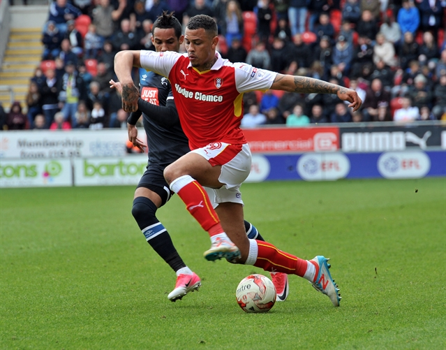 Rotherham United forward agrees new deal