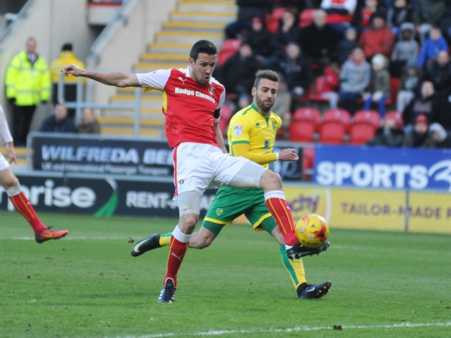 Wood signs new Rotherham United deal