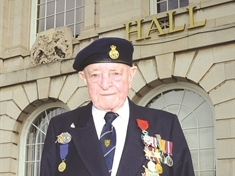 Tributes paid to Normandy hero Frank