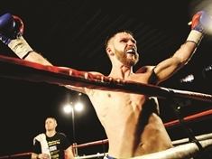 Boxer Lee to open Bramley Gala