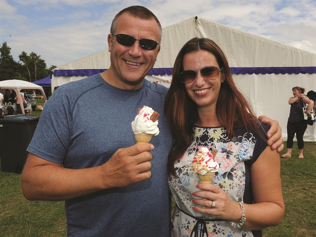 PHOTO GALLERY: Sun shines for Wickersley Gala