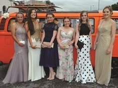 PHOTO GALLERIES: Teenagers dress for the occasion on prom night
