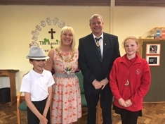 Mayor impresses in visit to school