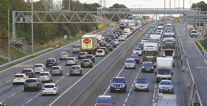 Heavy traffic on M1 and A631 near Maltby