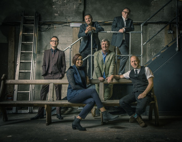 GIG PREVIEW: Squeeze at Sheffield City Hall