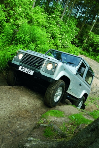 MOTORS REVIEW: Land Rover Defender