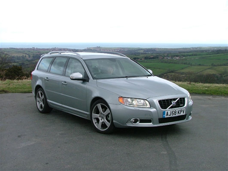 MOTORS REVIEW: Volvo V70