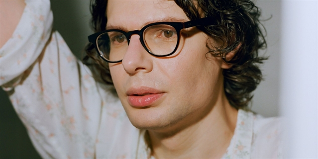 REVIEW: Simon Amstell at Sheffield City Hall
