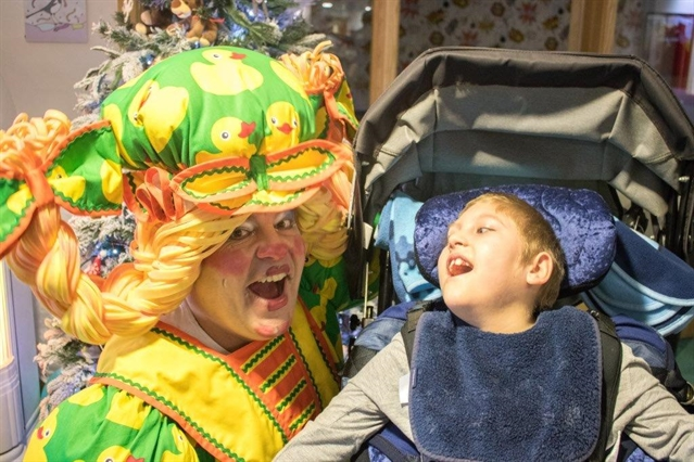 Panto star Damian Williams visits Bluebell Wood