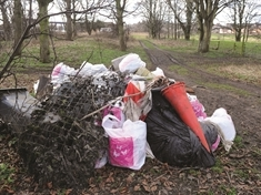 Riverside grot-spot cleaned up by anglers in Kilnhurst