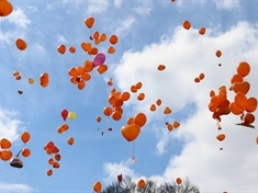 Hundreds turn sky orange in tribute to Shay (5)