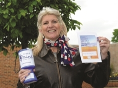 Ex-Mayor Lyndsay Pitchley's wing walk challenge in memory of Bluebell Wood youngster