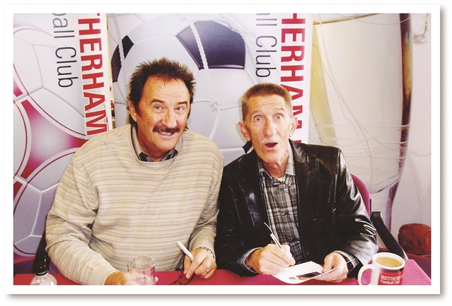 Civic leaders pay tribute to Chuckle Brother Barry
