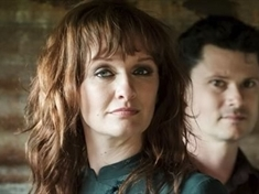 Folk duo Sean Lakeman and Kathryn Roberts to play intimate Letwell gig