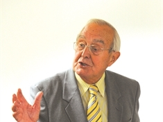 Rotherham UKIP councillor Brian Cutts under fire over gay foster parents comments
