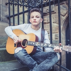 Rotherham Christmas Lights Switch-On: Busking Ravenfield teenager who went viral will headline event