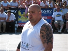 Super-strength entertainment in the hunt for Britain's Strongest Man