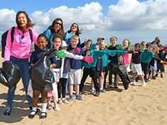 Dalton kids wage war on litter on Cleethorpes trip