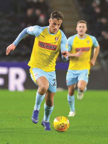 Rotherham United striker Jerry Yates makes loan switch to Swindon