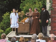 Theatre in the garden returns to Wentworth Woodhouse