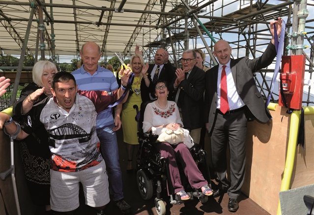 Injured veteran Ben Parkinson praises Wentworth Woodhouse's disabled-friendly rooftop tours