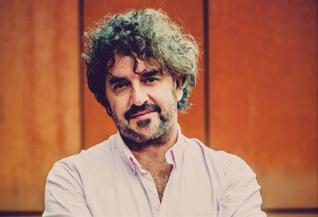 Ian Prowse brings firebranding political pop to Sheffield