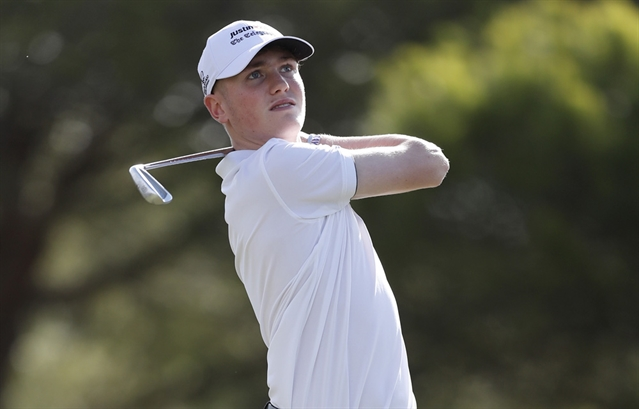 Ben Schmidt takes early tournament lead as Justin Rose makes an appearance
