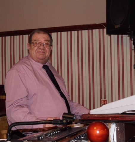 Tributes to 'true gentleman' after death of long-serving Brinsworth club concert chairman