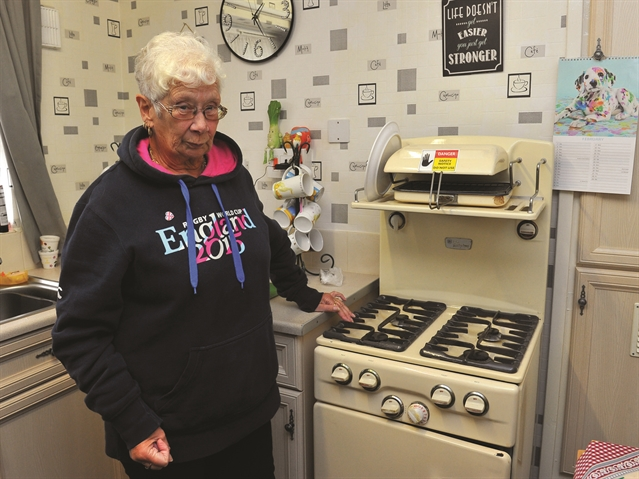Set for the scrapheap? 'Distraught' Val's cooker finally condemned after 61 years