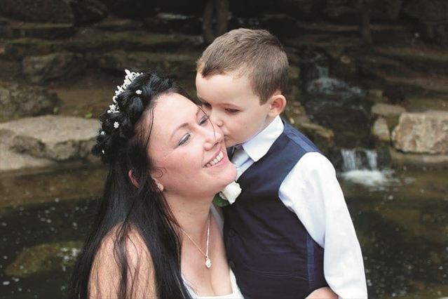 Mum mourning son (7) launches petition to reopen cemeteries