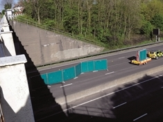 M1 carriageway closed after 'body found'