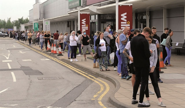 Parkgate Shopping packed as lockdown is eased