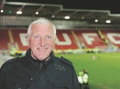 Ronnie Moore signs up with Maltby Academy