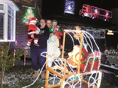 VIDEO: Maltby couple's lights fantastic!