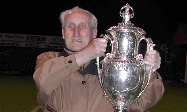 Tributes paid to 'true gentleman' and Maltby Main FC stalwart Horace 'Lol' Henson