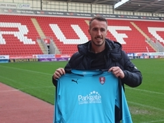 Millers land former Chesterfield stopper