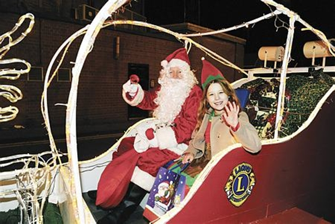 Christmas comes to Mexborough with parade and late-night shopping