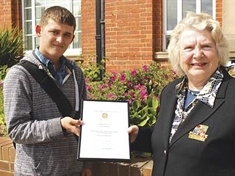 Top award for young Grant